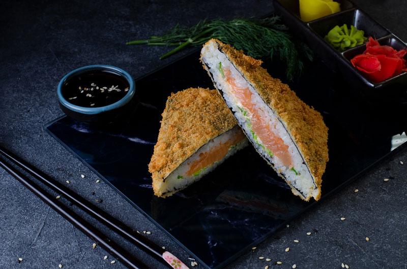 Хрустящий сендвич с лососем